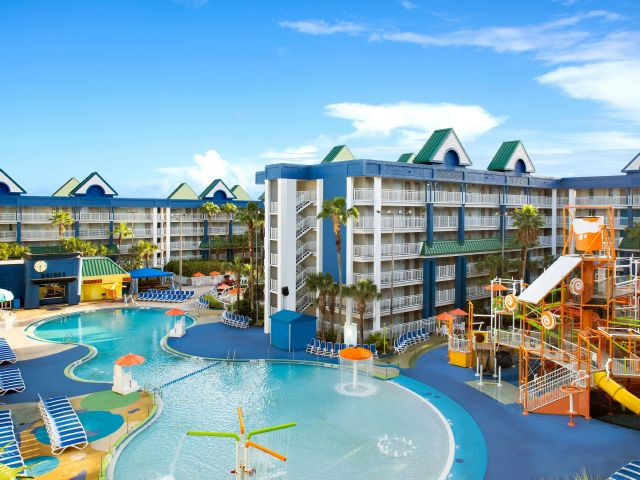 Holiday Inn Resort Orlando Suites with Waterpark  HIW